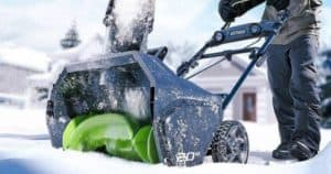 Best Cordless Snow Blower Reviews_Top 5 Battery Powered Options In 2019