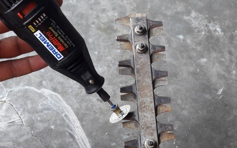 How To Sharpen Hedge Trimmer With Dremel_
