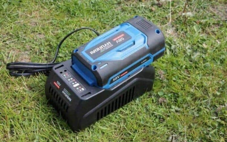 How to Know When a Lawn Mower Battery Is Dead