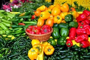 Growing Peppers In Containers: How To Grow Different Peppers Varieties In Pots