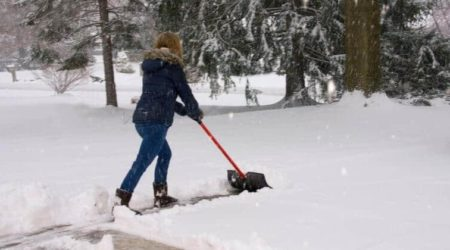Best Electric Snow Shovels Of 2019_ Top 5 Power Shovels Reviews And Buying Guide