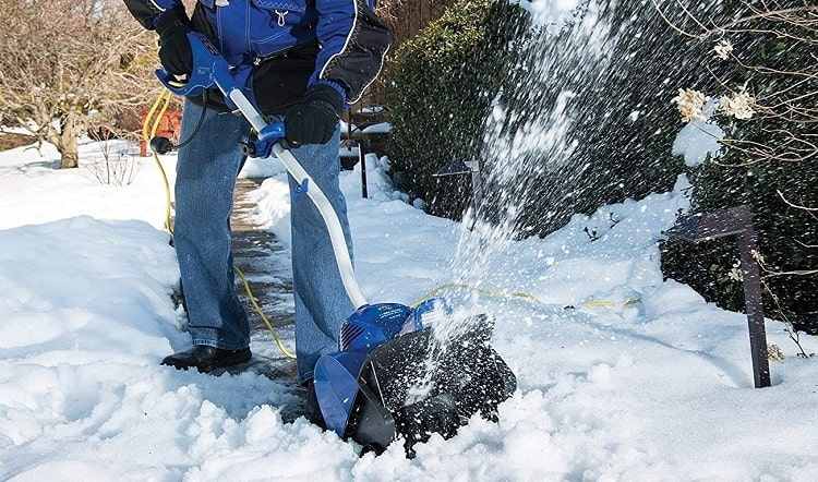 Using Electric Snow Shovel